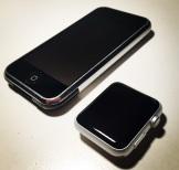 iPhone und Apple Watch seitlich schräg rechts