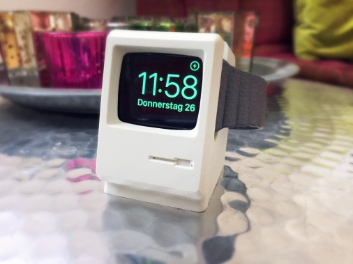 apple-watch-stand-with-watch